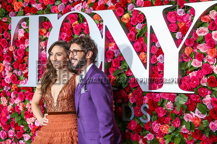 NEW YORK, NY - JUNE 10:  Sara Bareilles and Josh Groban attend the 72nd Annual Tony Awards at Radio City Music Hall on June 10, 2018 in New York City.  (Photo by Walter McBride/WireImage)
