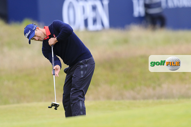 Adam Scott (AUS) putts onto the 17th green during Monday's Final Round of the 144th Open Championship, St Andrews Old Course, St Andrews, Fife, Scotland. 20/07/2015.<br /> Picture Eoin Clarke, www.golffile.ie