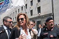 Daniela Santanch&egrave; in sostegno di Berlusconi davanti al tribunale per l'udienza del processo Mills. Milano, 9 maggio 2011...<br /> Daniela Santanch&egrave; supports Berlusconi in front of the lawcourt during Mills trial. Milan, May 9, 2011.