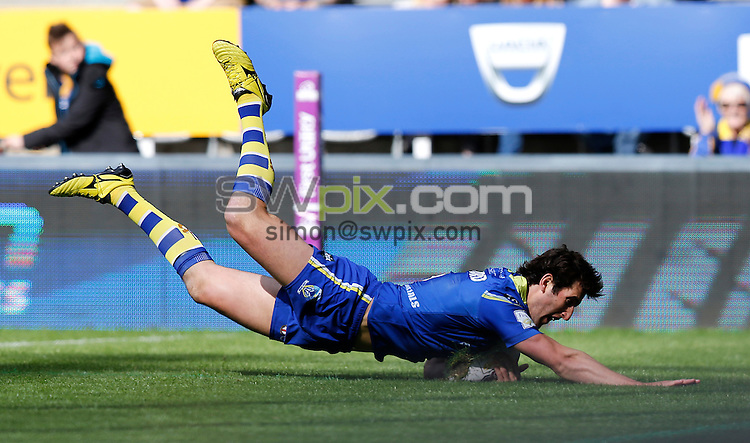 Picture by John Clifton/SWpix.com - 21/05/2016 - Rugby League - First Utility Super League - Warrington Wolves v Castleford Tigers - St James Park, Newcastle, England<br /> Stefan Ratchford of Warrington Wolves scores his teams first try