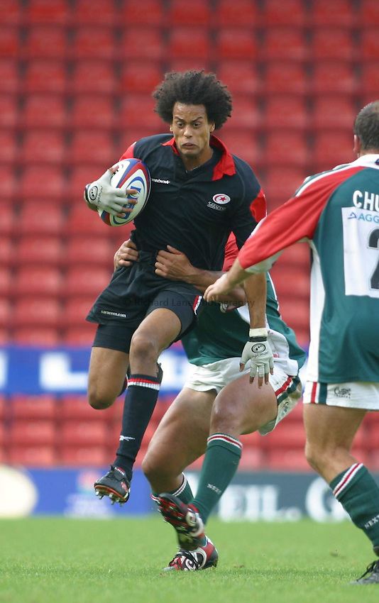 Photo: Jo Caird.Saracens v Leicester.Zurich Premiership 2003/4.21/09/2003.... Richard Haughton