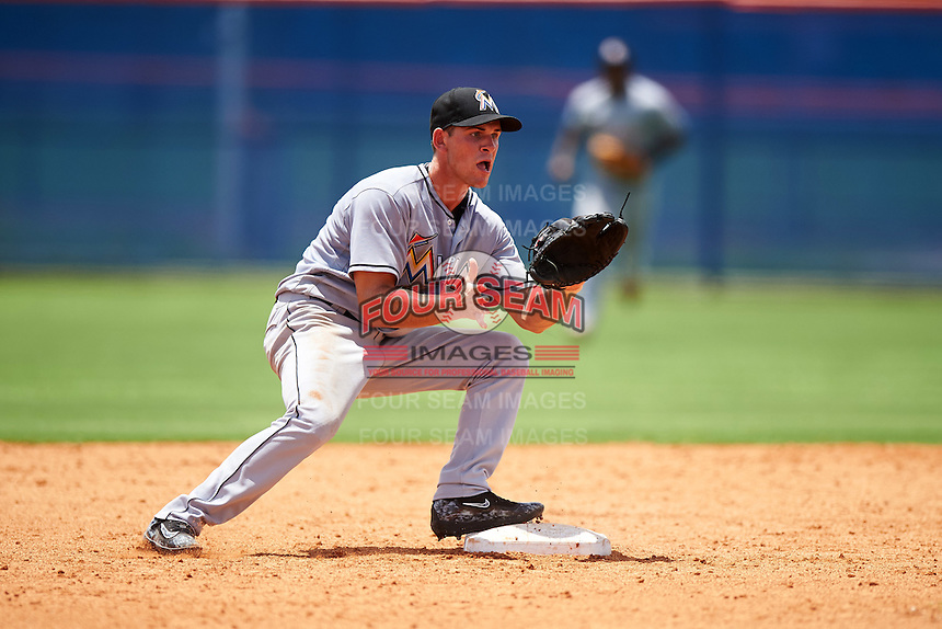 GCL Marlins second baseman Mathew Brooks (8) waits for a throw during a game against the GCL Mets on August 12, 2016 at St. Lucie Sports Complex in St. Lucie, Florida.  GCL Marlins defeated GCL Mets 8-1.  (Mike Janes/Four Seam Images)