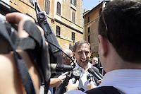Roma , 19 Luglio 2012.Piazza del Pantheon.Il Popolo della Libertà inizia la campagna per chiedere l'elezione diretta del Presidente della Repubblica. Nella foto Ignazio La Russa con i giornalisti .