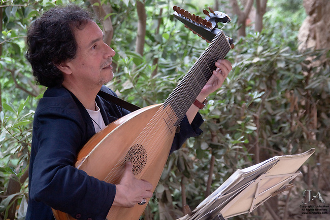 Baroque Lute Player in Guell Park