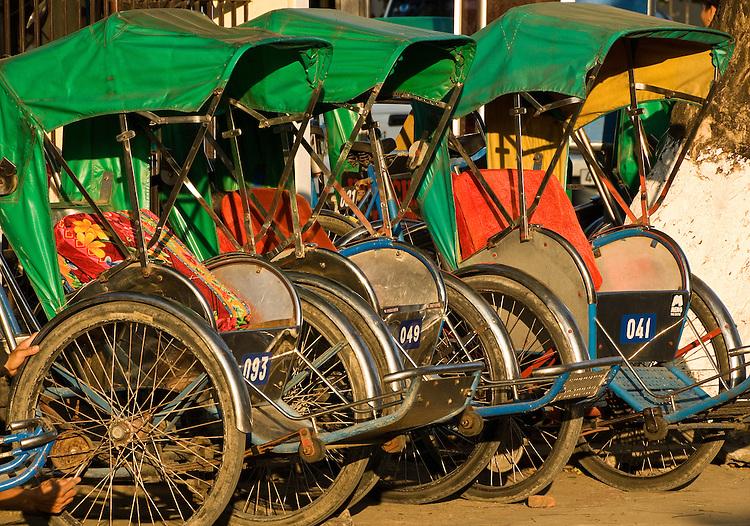 Cyclos 01 - Cyclos in Hoi An, Viet Nam