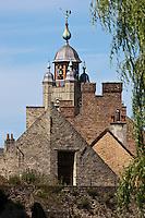 Europe/France/Nord-Pas-de-Calais/59/ Nord/ Bergues: Les toits du village et le Beffroi - Beffroi inscrit au Patrimoine Mondial UNESCO