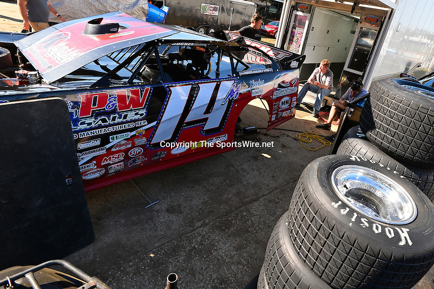 Feb 16, 2014; 3:37:08 PM; Ocala, FL., USA; The Third Annual Bubba Army Winter Nationals World Of Outlaws Super Late Models paying $12,000 to win at Bubba RaceWay Park.  Mandatory Credit: (thesportswire.net)