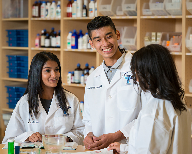 Jane Long Futures Academy students Kinza Rizwan and Estanislado Sandoval III pose for a photograph at the Houston Community College Coleman College for Health Sciences pharmacy technology labs, October 16, 2014.
