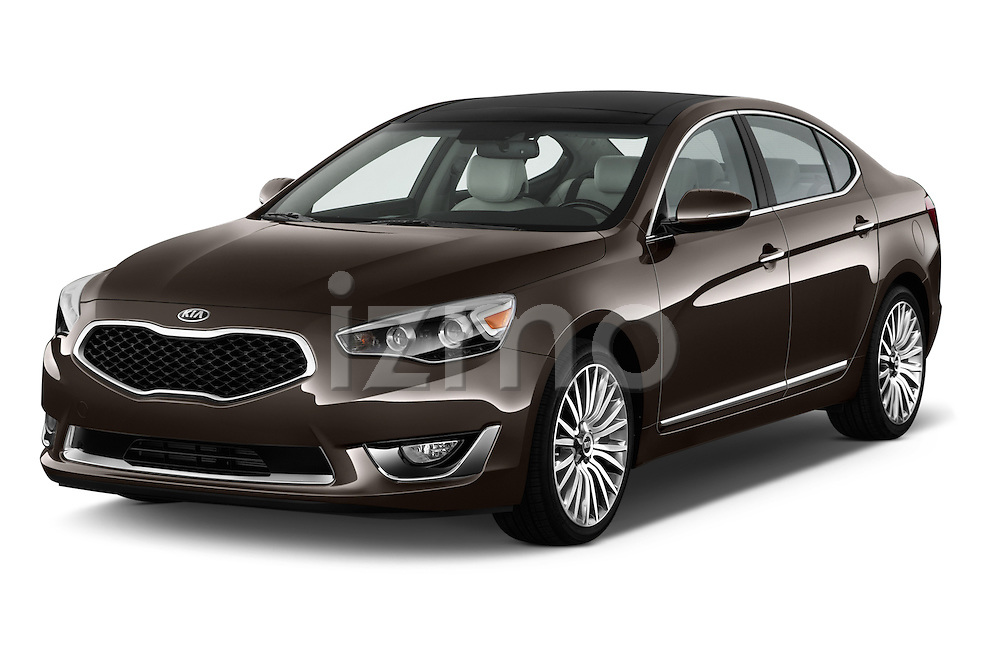 Front three quarter view of a 2014 KIA Cadenza Sedan