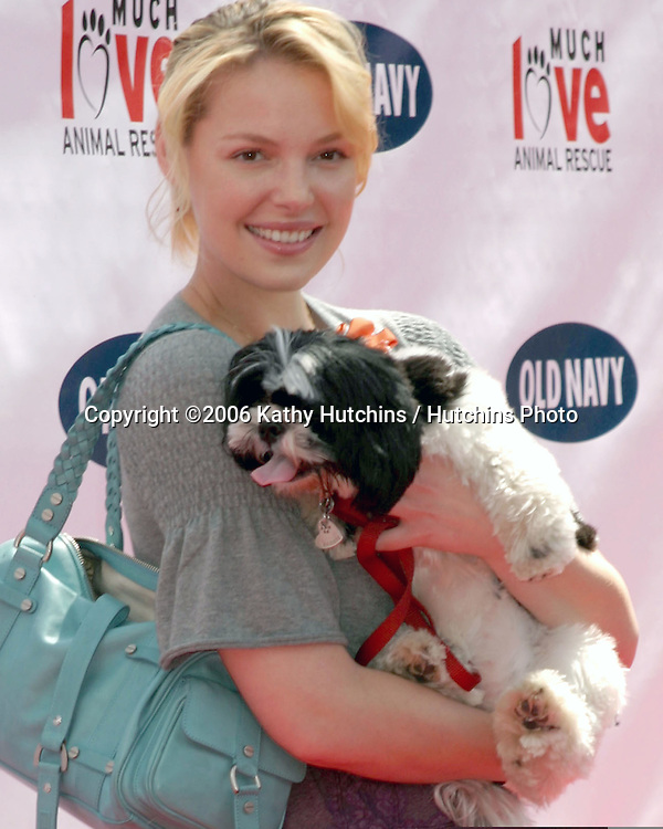 Katherine Heigl (dog is a rescue dog).Much Love Animal Rescue Event.Los Angeles, CA.April 29, 2006.©2006 Kathy Hutchins / Hutchins Photo..
