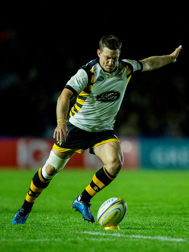 Wasps' Jimmy Gopperth kicks at goal<br /> <br /> Photographer Bob Bradford/CameraSport<br /> <br /> Aviva Premiership - Harlequins v Wasps - Friday April 28 2017 - The Stoop - London<br /> <br /> World Copyright &copy; 2017 CameraSport. All rights reserved. 43 Linden Ave. Countesthorpe. Leicester. England. LE8 5PG - Tel: +44 (0) 116 277 4147 - admin@camerasport.com - www.camerasport.com