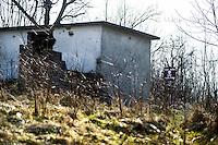 GRADAČAC - LA NORMALITA' MINATA DELLA BOSNIA NELLA FOTO ZONE MINATE NEI PRESSI DI BRCKO CRONACA BRCKO 11/03/2015 FOTO MATTEO BIATTA<br /> <br /> GRADAČAC - THE NORMALITY UNDERMINED OF BOSNIA IN THE PICTURE MINED AREA IN  GRADAČAC CHRONICLE GRADAČAC 11/03/2015 PHOTO BY MATTEO BIATTA