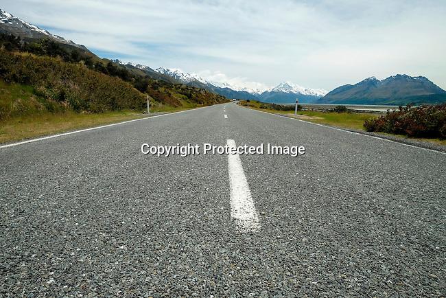 Road to Mount Cook/ Aoraki, New Zealand