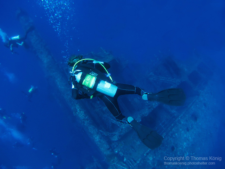 Orchid Island (蘭嶼), Taiwan -- Divers descending on the at Ba Dai Wreck (八代沉船)