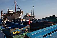 Afrique/Afrique du Nord/Maroc/Essaouira: Chantier Naval sur le port  ou les chalutiers sont construits avec du bois de teck et d'eucalyptus