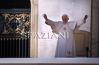Pope Benedict XVI smiles during his weekly Wednesday general audience in Saint Peter's Square, Vatican city, 17 March 2010.