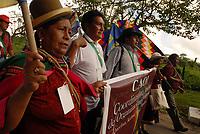 """Fórum Social Mundial 2009.<br /> Representantes da Coordenação Andina das Organizações Indígenas  durante passeata em direção ao lugar onde formarão a frase de protesto em defesa da Amazônia.<br /> Mais de mil participantes do VIII Fórum Social Mundial formaram uma faixa humana chamando à atenção para o perigo que corre a Floresta Amazônica. Os manifestantes usaram seus corpos para escrever a mensagem """"Salve a Amazônia e SOS Amazônia"""" <br /> No dia da abertura do Fórum Social Mundial 2009.<br /> Foto Paulo Santos<br /> Belém, Pará, Brasil.<br /> 27/01/2009"""