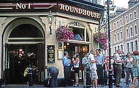 London: Pubs--The Roundhouse. Top of St. Martin's Lane, early evening, July 2005 at Seven Dials.  Photo '05.