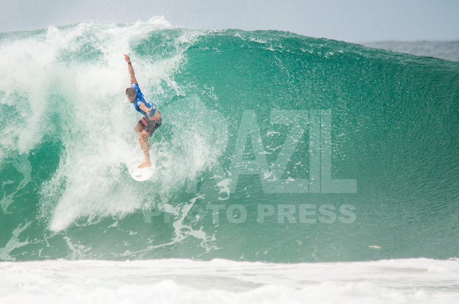 RIO DE JANEIRO, RJ, 15.05.2015 - MUNDIAL DE SURF - O brasileiro Alejo Muniz participa do Oi Rio Pro, etapa brasileira do circuito mundial da Wolrd Surf League (WSL), na praia da Barra da Tijuca, na zona oeste, nesta quinta-feira (15). (Foto: João Mattos / Brazil Photo Press)