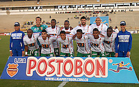 TUNJA - COLOMBIA -10 -02-2014: Los jugadores de Patriotas FC posan para una foto durante partido de la cuarta fecha de la Liga Postobon I 2014, jugado en el estadio La Independencia de la ciudad de Tunja. / The players of Patriotas FC pose for a photo during a match for the fourth date of the Liga Postobon I 2014 at the La Independencia  Stadium in Tunja city. Photo: VizzorImage  / Jose M. Palencia / Str