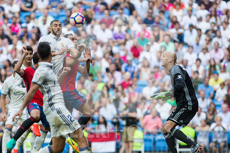 Real Madrid's Karim Benzema during the match of La Liga between Real Madrid and Club Atletico Osasuna at Santiago Bernabeu Estadium in Madrid. September 10, 2016. (ALTERPHOTOS/Rodrigo Jimenez)