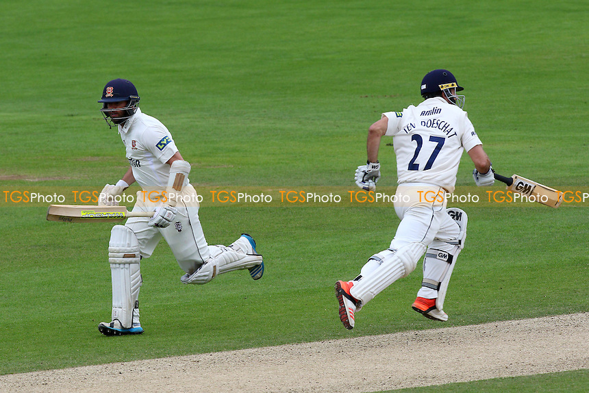 Mark Pettini (L) and Ryan ten Doeschate add to the Essex CCC total