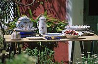 Europe/France/84 /Vaucluse/Brantes : Poteries de Martine Gilles et Jaap Wieman Artisans Potiers