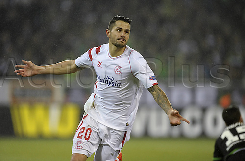 26.02.2015. Moenchengladbach , Germany. Europea League football Borussia Moenchengladbach versus Seville in Borussia-Park. Vitolo  with his goal celebration