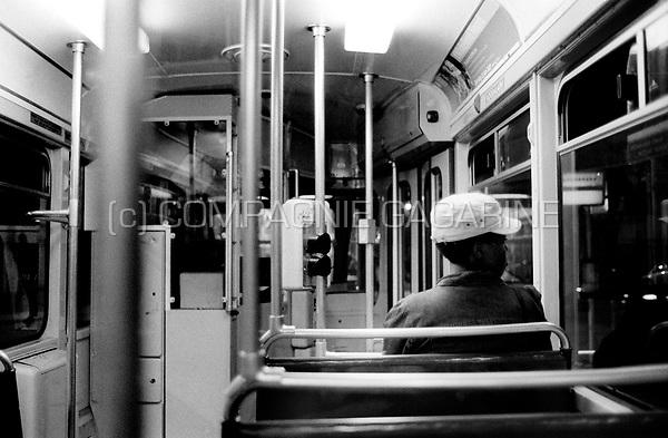 Passengers in a De Lijn tram in Antwerp (Belgium, 02/06/2007)