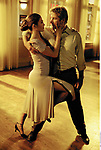 DIG, Film, &quot;Darf ich bitten ?&quot; (Shall We Dance ?),<br /> USA 2004, Regie: Peter Chelsom, Szene mit:<br /> Jennifer Lopez, Richard Gere,<br /> <br /> romantische Kom&ouml;die, Romanze, Ganzfigur, Tanzpaar, Paar, tanzend, Tanz, Leidenschaft, leidenschaftlich,<br /> ~<br /> movie, &quot;Shall We Dance ?&quot;, USA 2004, director: Peter Chelsom, scene with: Jennifer Lopez, Richard Gere,<br /> romance, full length, dancing couple, passion,