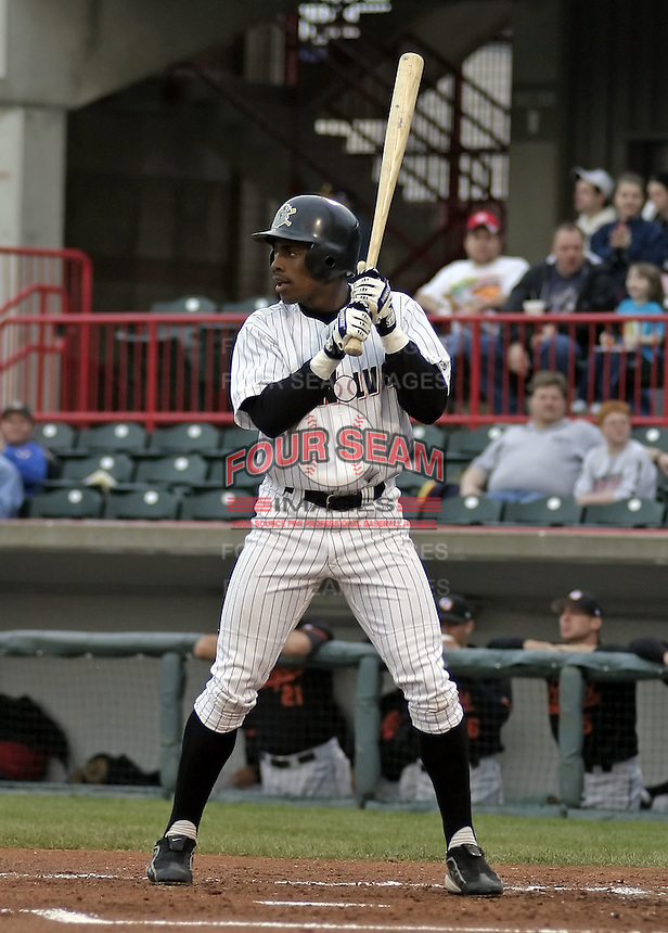 April 17, 2004:  Curtis Granderson of the Erie Seawolves, Eastern League (AA) affiliate of the Detroit Tigers, during a game at Jerry Uht Park in Erie, PA.  Photo by:  Mike Janes/Four Seam Images