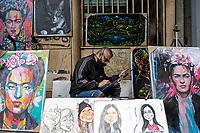 CAJICA - COLOMBIA, 27-08-2020: Vendedores informales durante el primer día de reactivación económica en Bogota finalizando la cuarentena total en el territorio colombiano causada por la pandemia  del Coronavirus, COVID-19. / Informal vendors during the first day of economic reactivation in Bogota ending the total quarantine in the Colombian territory caused by the Coronavirus pandemic, COVID-19. Photo: VizzorImage / Johan Rugeles / Cont