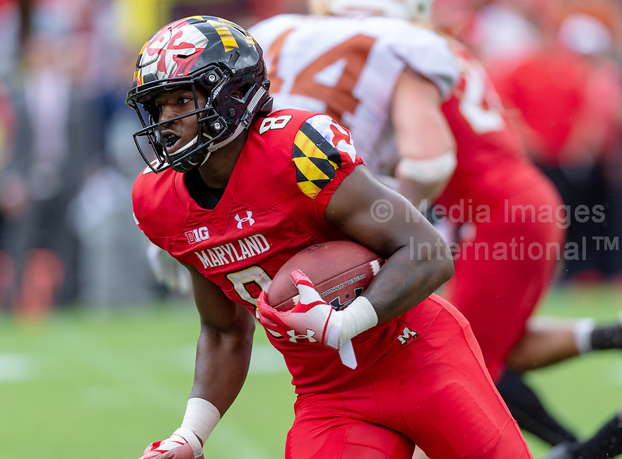 Landover, MD - September 1, 2018: Maryland Terrapins running back Tayon Fleet-Davis (8) runs the football during game between Maryland and No. 23 ranked Texas at FedEx Field in Landover, MD. The Terrapins upset the Longhorns in back to back season openers with a 34-29 win. (Photo by Phillip Peters/Media Images International)