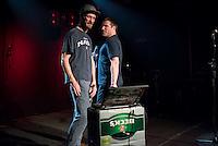Sleaford Mods spielten am Freitag den 19. Juni 2015 live im Berliner Club SO36.<br /> Sleaford Mods ist ein englisches Post-Punk-/Hip-Hop-Duo aus Nottingham, bestehend aus Saenger/Rapper Jason Williamson (rechts im Bild) und Multiinstrumentalist Andrew Robert Lindsay Fearn (links im Bild).<br /> 19.6.2015, Berlin<br /> Copyright: Christian-Ditsch.de<br /> [Inhaltsveraendernde Manipulation des Fotos nur nach ausdruecklicher Genehmigung des Fotografen. Vereinbarungen ueber Abtretung von Persoenlichkeitsrechten/Model Release der abgebildeten Person/Personen liegen nicht vor. NO MODEL RELEASE! Nur fuer Redaktionelle Zwecke. Don't publish without copyright Christian-Ditsch.de, Veroeffentlichung nur mit Fotografennennung, sowie gegen Honorar, MwSt. und Beleg. Konto: I N G - D i B a, IBAN DE58500105175400192269, BIC INGDDEFFXXX, Kontakt: post@christian-ditsch.de<br /> Bei der Bearbeitung der Dateiinformationen darf die Urheberkennzeichnung in den EXIF- und  IPTC-Daten nicht entfernt werden, diese sind in digitalen Medien nach &sect;95c UrhG rechtlich geschuetzt. Der Urhebervermerk wird gemaess &sect;13 UrhG verlangt.]