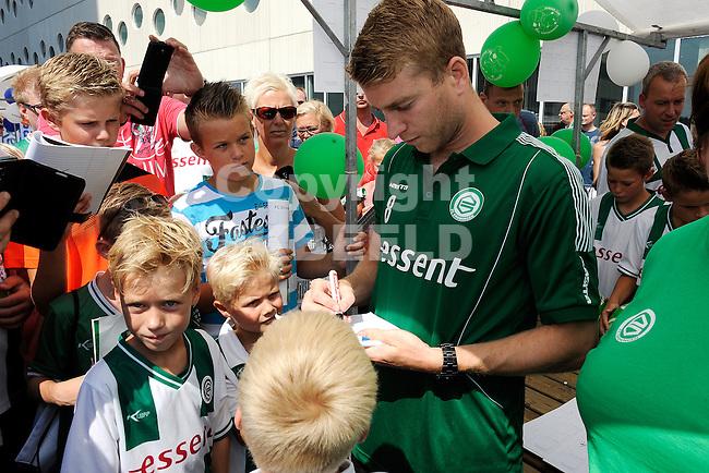 GRONINGEN - Voetbal, Open dag FC Groningen, Euroborg, seizoen 2014-2015, 02-08-2014,  FC Groningen speler Michael de Leeuw