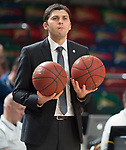 10.02.2019, ÖVB Arena, Bremen, GER, easy Credit-BBL, Eisbären Bremerhaven vs EWE Baskets Oldenburg, im Bild<br /> gleich zwei Baelle in der Hand..<br /> Milos PETKOVIC (EWE Baskets Oldenburg #Assistantcoach , #Assistant , #Co-Trainer )<br /> Foto © nordphoto / Rojahn
