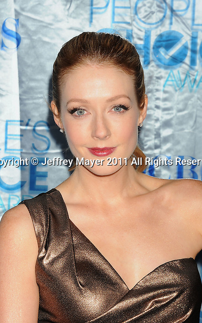 LOS ANGELES, CA. - January 05: Jennifer Finnigan arrive at the 2011 People's Choice Awards at Nokia Theatre L.A. Live on January 5, 2011 in Los Angeles, California.