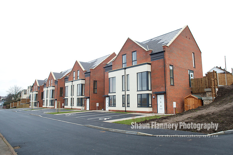Pix: Shaun Flannery/shaunflanneryphotography.com...COPYRIGHT PICTURE>>SHAUN FLANNERY>01302-570814>>07778315553>>..15th February 2011..............Bramall Construction Limited..Cowsley Road launch, a scheme of eight newly built council homes, the first in the city of Derby for 30 years.