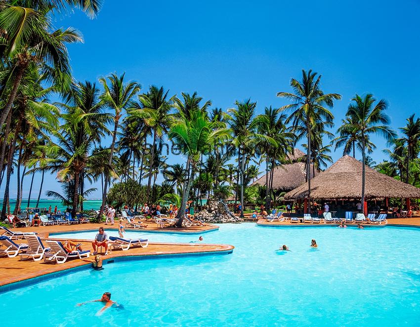 Dominikanische Republik, Punta Cana, Bavaro Palace Resort: Pool | Dominican Republic, Punta Cana, Bavaro Palace Resort: Pool