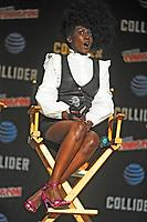 Jade Eshete beim Panel zu 'Dirk Gently's Holistic Detective Agency / Dirk Gentlys holistische Detektei' auf der New York Comic Con 2017 im Javits Center. New York, 06.10.2017