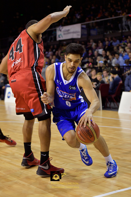 Saints' Shea Ili in action during the NBL - Wellington Saints v Canterbury Rams   at TSB Bank Arena, Wellington, New Zealand on Saturday 8 April 2017.<br /> Photo by Masanori Udagawa<br /> www.photowellington.photoshelter.com.