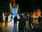 Kraków, 13-18.12.2019. Iluminacja bożonarodzeniowa na Starym Mieście w Krakowie. Rynek Główny w Krakowie.