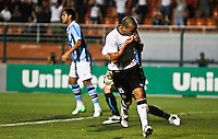 ATENÇÃO EDITOR: FOTO EMBARGADA PARA VEÍCULOS INTERNACIONAIS SÃO PAULO,SP,08 SETEMBRO 2012 - CAMPEONATO BRASILEIRO - CORINTHIANS x GREMIO Guilherme jogador do Corinthians comemora gol durante partida Corinthians x Gremio válido pela 23º rodada do Campeonato Brasileiro no Estádio Paulo Machado de Carvalho (Pacaembu), na região oeste da capital paulista na noite deste sabado (08).(FOTO: ALE VIANNA -BRAZIL PHOTO PRESS)
