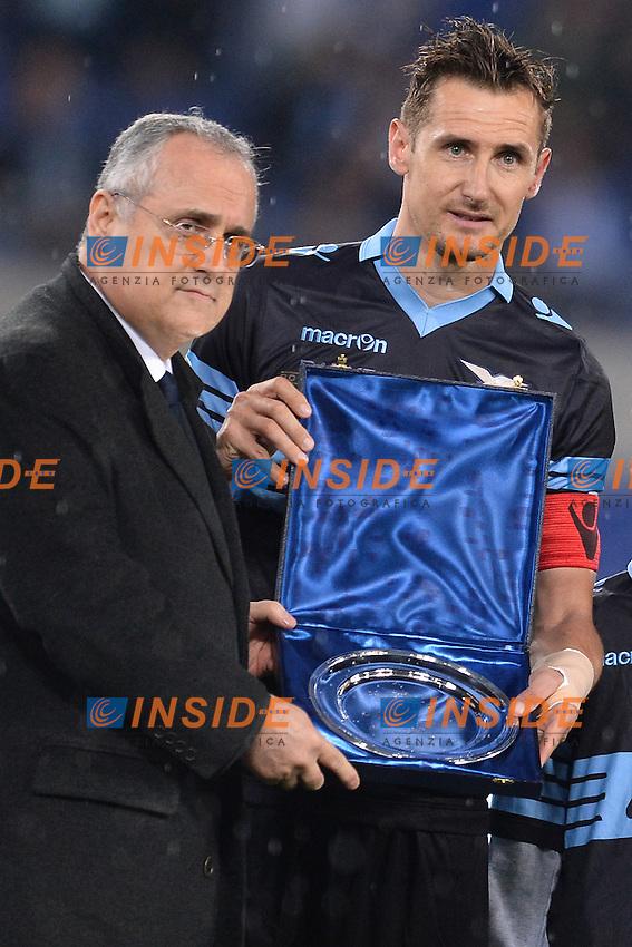 Miroslav Klose e  Claudio Lotito, presidente della Lazio.<br /> Roma 15-05-2016  Stadio Olimpico<br /> Campionato Serie A,<br /> Lazio - Fiorentina<br /> Foto Antonietta Baldassarre / Insidefoto