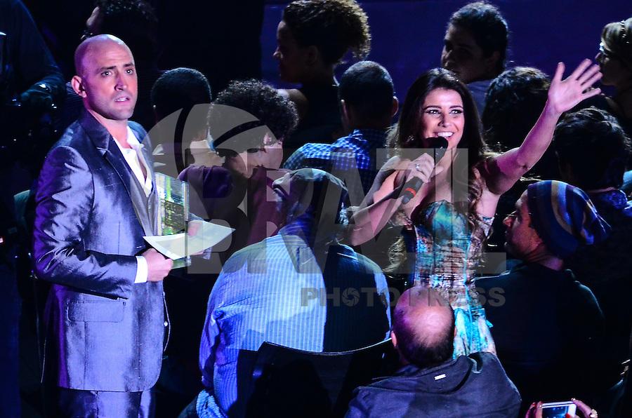 ATENCAO EDITOR: FOTO EMBARGADA PARA VEICULOS INTERNACIONAIS. - RIO DE JANEIRO, RJ,19 DE SETEMBRO 2012 - PREMIO MULTISHOW 2012- Paula Fernandes recebe premiacao na cerimonia de entrega do Premio Multishow na noite desta terca dia 18 de setembro, no HSBC Arena, na Barra da Tijuca, zona oestedo Rio de Janeiro.(FOTO: MARCELO FONSECA / BRAZIL PHOTO PRESS).