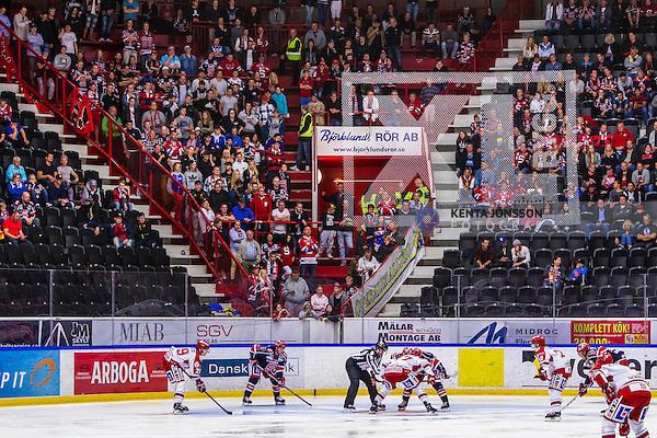 S&ouml;dert&auml;lje 2013-09-21 Ishockey Hockeyallsvenskan S&ouml;dert&auml;lje SK - Timr&aring; IK :  <br /> S&ouml;dert&auml;lje supportrar och tomma platser p&aring; klacksektionen i Axa Sports Center<br /> (Foto: Kenta J&ouml;nsson) Nyckelord:  supporter fans publik supporters
