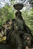 Bomarzo, Viterbo - Parco dei Mostri o Sacro Bosco, complesso monumentale realizzato nel 1547con grandi sculture di figure mitologiche del genere grotesque. Cerere<br /> Bomarzo, Viterbo - Monster Park or Sacro Bosco, a monumental complex built in 1547 with large sculptures of mythological figures such grotesque. Ceres
