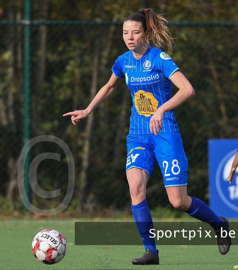 20191116 – WONDELGEM, BELGIUM : Gent's Nicky Van Den Abbeele pictured during a women soccer game between AA Gent Ladies and Eendracht Aalst in the ¼  quarter finals of the Belgium Women's Cup Competition  season 2019-2020 , saturday 16 th November 2019 at the Neptunus site stadium in Wondelgem,  Gent  , Belgium  .  PHOTO SPORTPIX.BE | DIRK VUYLSTEKE