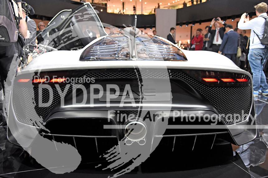 Mercedes AMG Project One auf der Internationalen Automobil-Ausstellung 2017 auf dem Messegelände. Frankfurt am Main, 12.09.2017