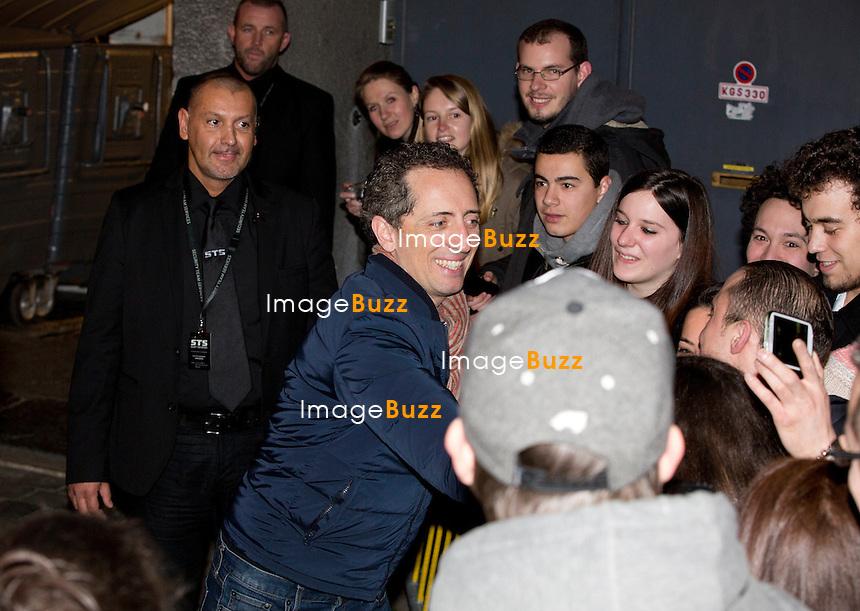 EXCLUSIF - Gad Elmaleh &agrave; Bruxelles, en Belgique.<br /> Gad Elmaleh &agrave; la sortie de son spectacle &quot; Sans tambour &quot; au Cirque Royal &agrave; Bruxelles.<br /> Belgique, Bruxelles, 5 mars 2014.